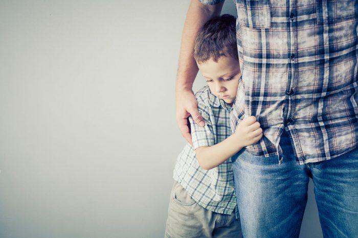Застенчивый ребенок. Как придать тихоне уверенность в себе?