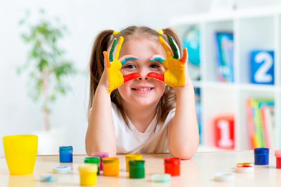 Пальчиковые краски. Покупать ребенку особенные краски или не стоит