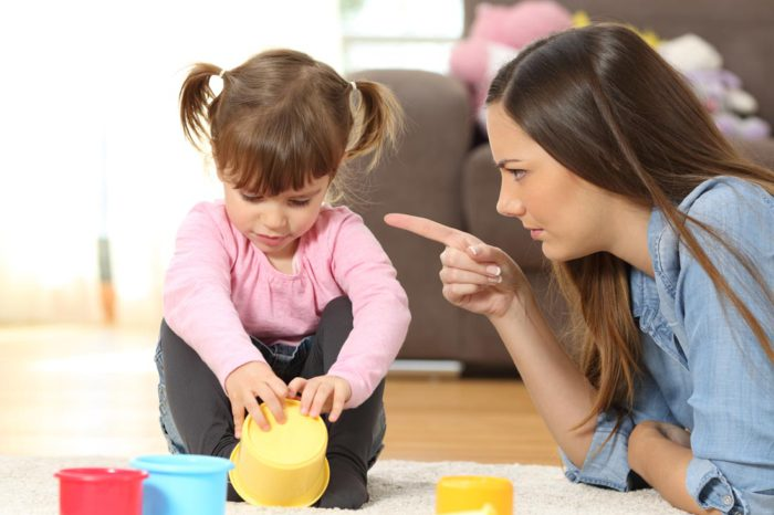 Кризис двухлетнего возраста. Как остановить истерику?