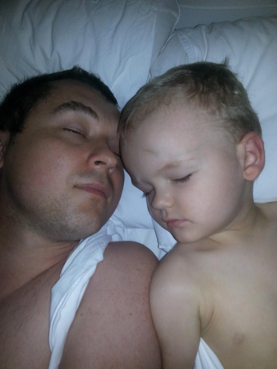 Сплю с Гошей в Греции после тяжелого дня